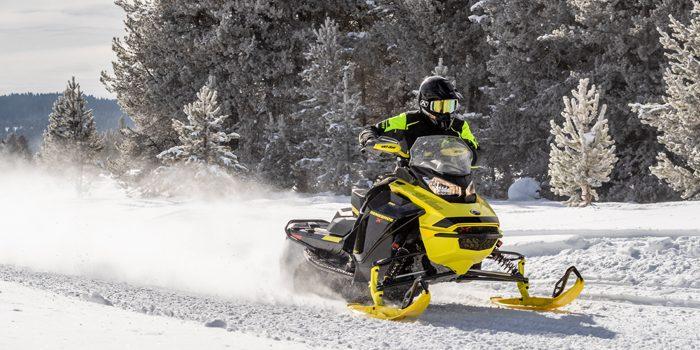 2022 Ski-Doo 850 E-TEC Renegade X-RS with Smart Shox